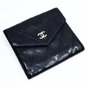 Chanel vintage compact quilted wallet